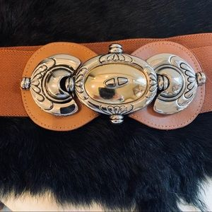 Women's Belt w/ornate Buckle make a  statement
